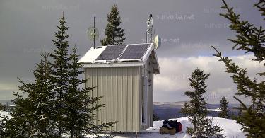 panneau-solaire-tour-relais-survolte-net-375.jpg